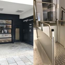 Behindertengerechter Eingang mit Fahrstuhl Weinand-Haus